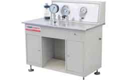 Pressure gauge test bench